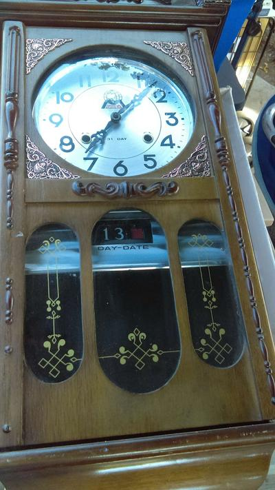 Antique Morbex 31 Wall Clock Day And Date It In Good Condition Make N Offe For Sale In Santa Ana Ca 5miles Buy And Sell