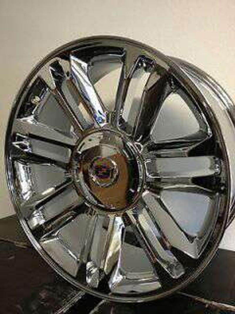 Photo 2015 and up 22 24 rims. Replicas. For Tahoe. Yukon, cadillac, with. New tires 24rims