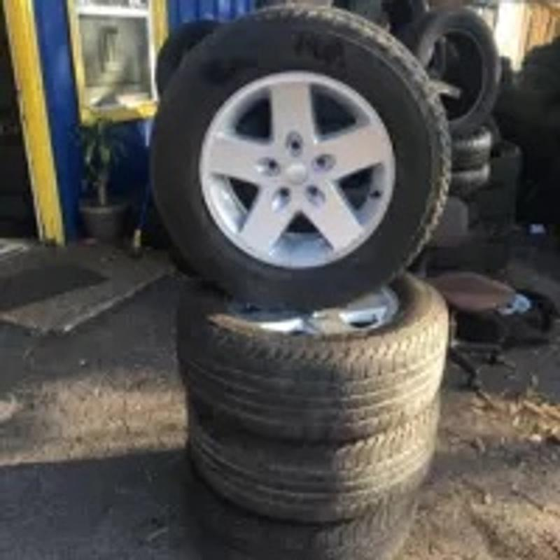 Photo Set 4 Rims tires Jeep 17 inch good years