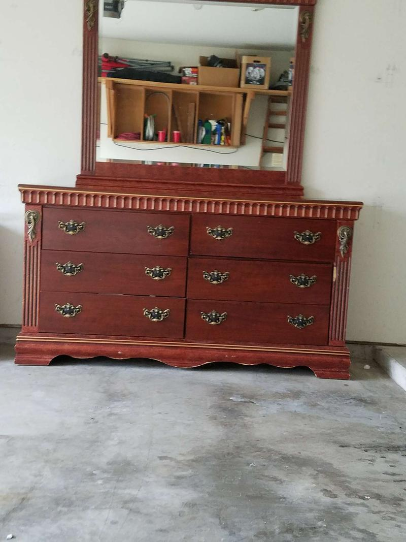 Ashley Furniture Queen 4 Piece Bedroom Set Set Includes Headboard Footboard For Sale In Round Rock Tx 5miles Buy And Sell