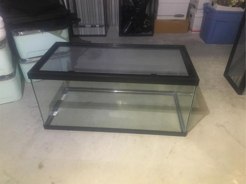 40 Gallon Breeder Reptile Tank With Lid For Sale In Pembroke Pines Fl 5miles Buy And Sell ***see more on 30 gallon aquariums below***. 40 gallon breeder reptile tank with lid