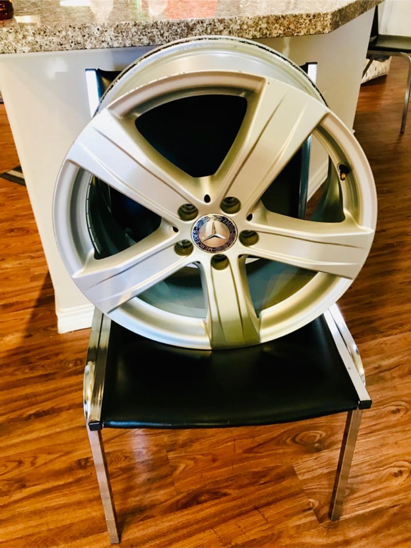 Photo 4 Like brand new 18 inch Mercedes wheels