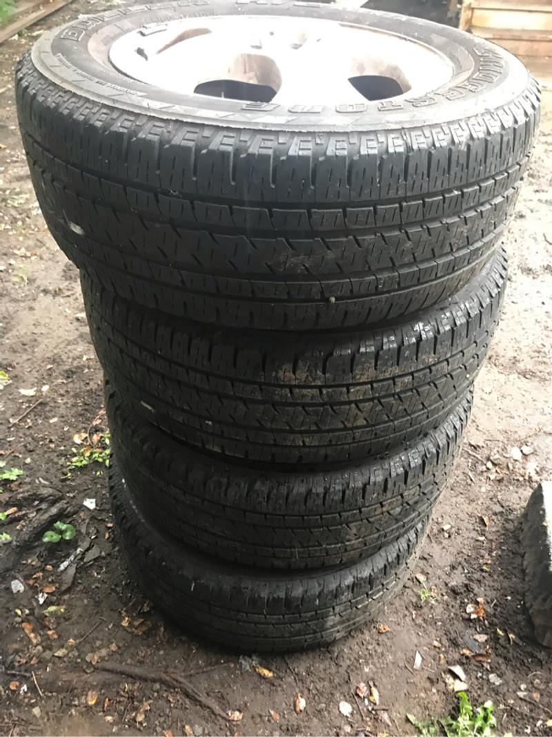 Photo 17 inch MercedesBenz rims and tires