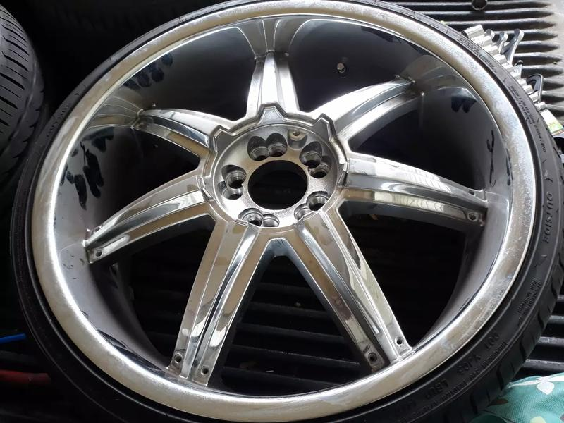 Photo 20 inch universal rims new tires bolt pattern 5 x 112 5 x 115 will fit multiple cars..
