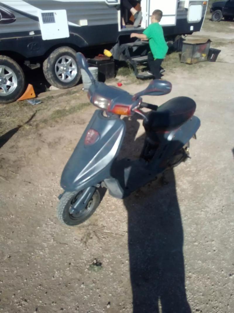Photo Moped runs great vKick start or electric start
