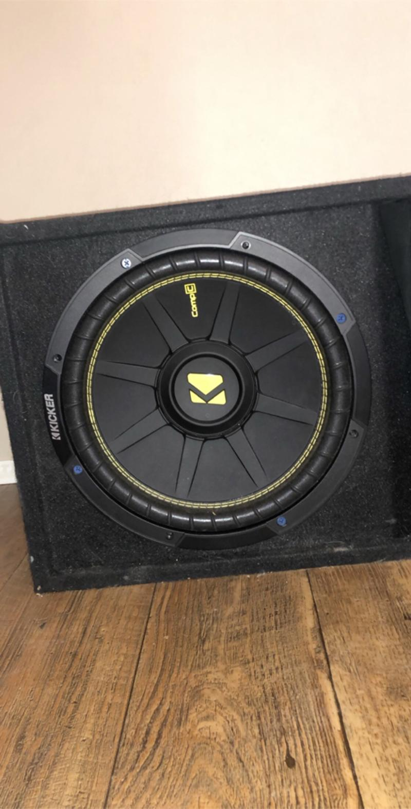 Photo 12 inch competition kicker sub with box