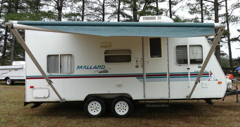 Photo 2000 Mallard Feather Travel Trailer Sleep 6