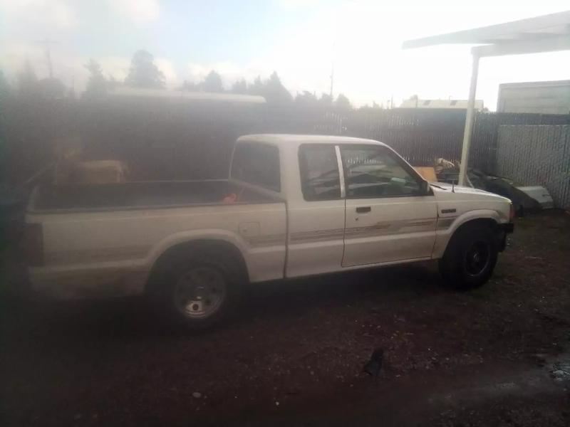 Photo 1992 Mazda BSeries Pickup 2dr B2200 Extended Cab SB