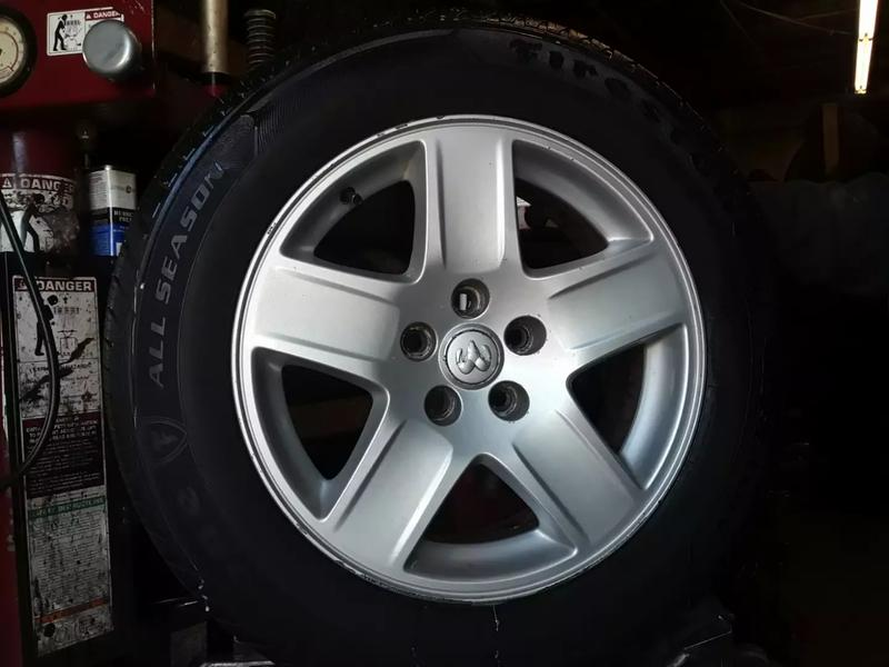 Photo dodge charger rims and tires
