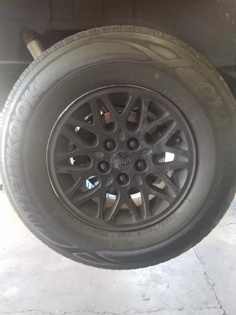 Photo 23575r15 Jeep grand Cherokee zj wheels tires