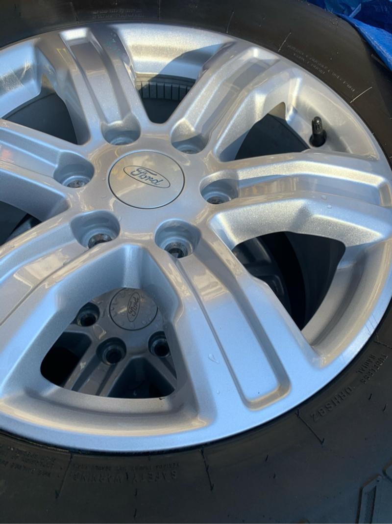 Photo 4 New Ford truck rims with tires