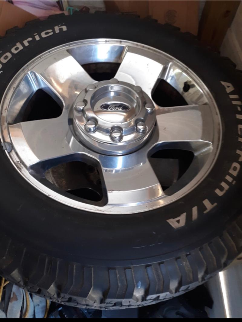 Photo 26 Inch Tires Rims BF Goodrich LT 275 65 R20