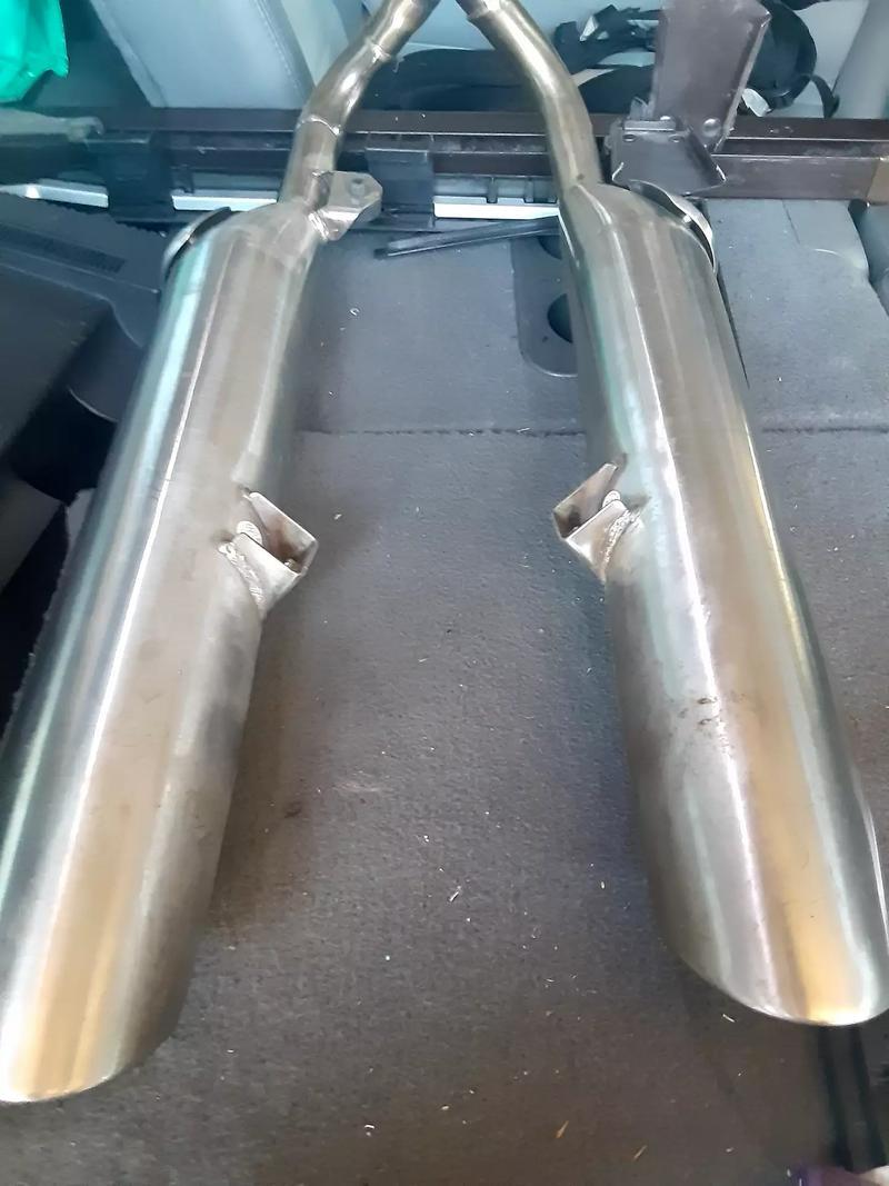 Photo Triumph BONNEVILLE BOBBER Exhaust Pipe Set Mufflers Silencer 2202293 2202294