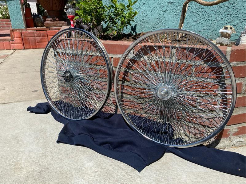 Photo BRAND NEW BICYCLE RIMS 26 inch BEACH CRUISER