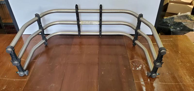 Photo Pickup truck bed extender, cargo cage
