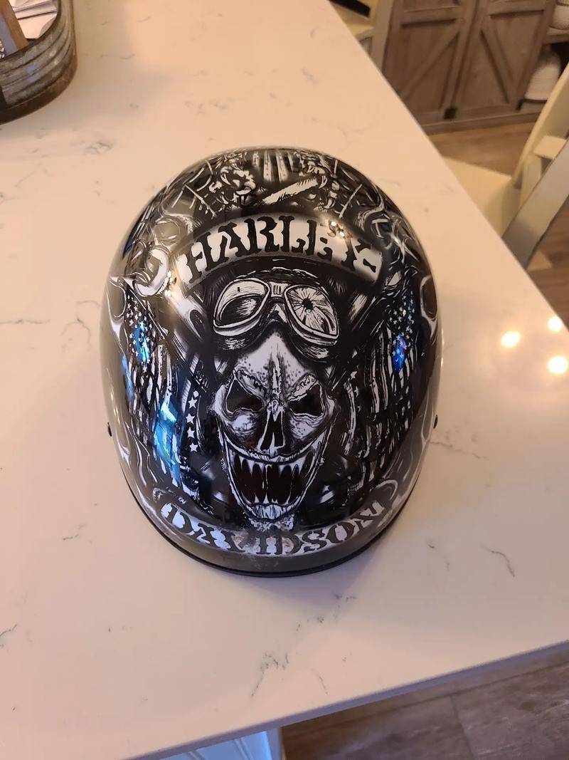 Photo NEW Harley Davidson Ultra light weight half helmet XXL $100 BO