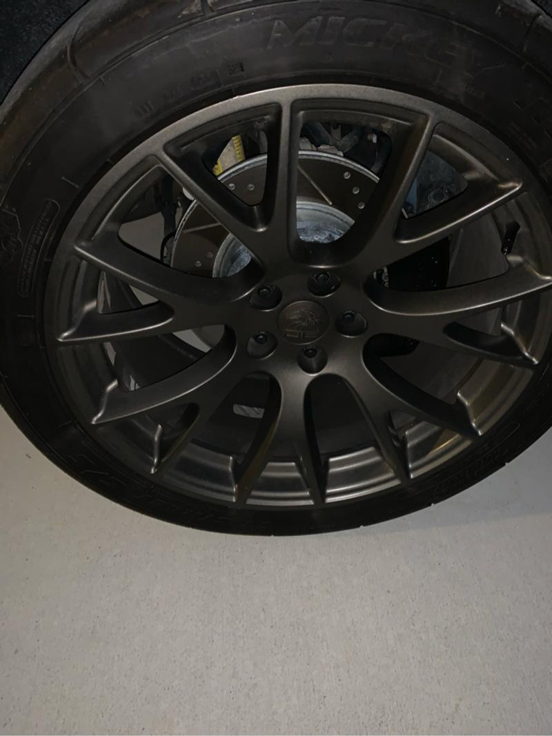 Photo They are 20 inch Hellcat Replicas the front room is 9 inch widethe rear are 10 12 wide