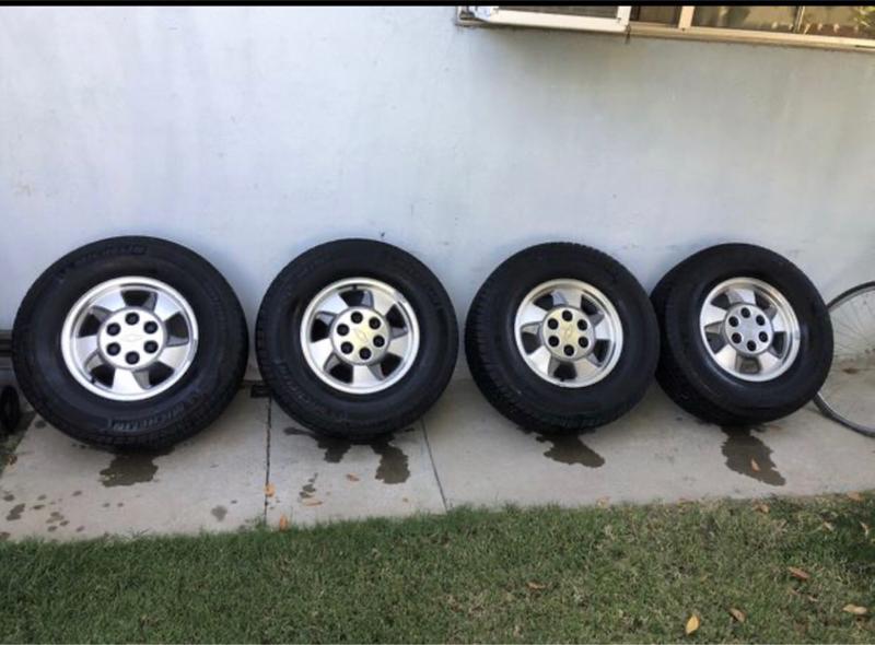 Photo Stock Chevy wheels 6 lug 16s