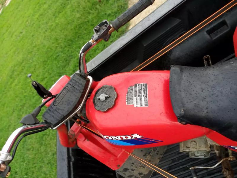 Photo 1986 honda 200 3 wheeler little work and its a classic