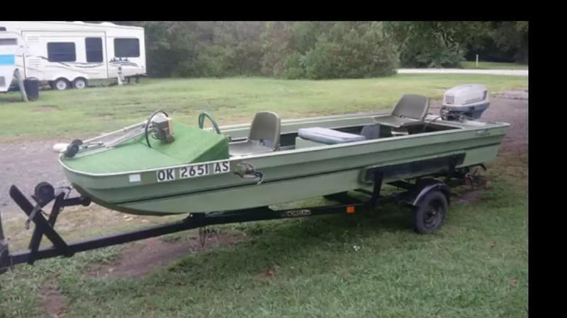 Photo 1972 Evinrude. Needs ignition switch. Great Motor! Great Boat!