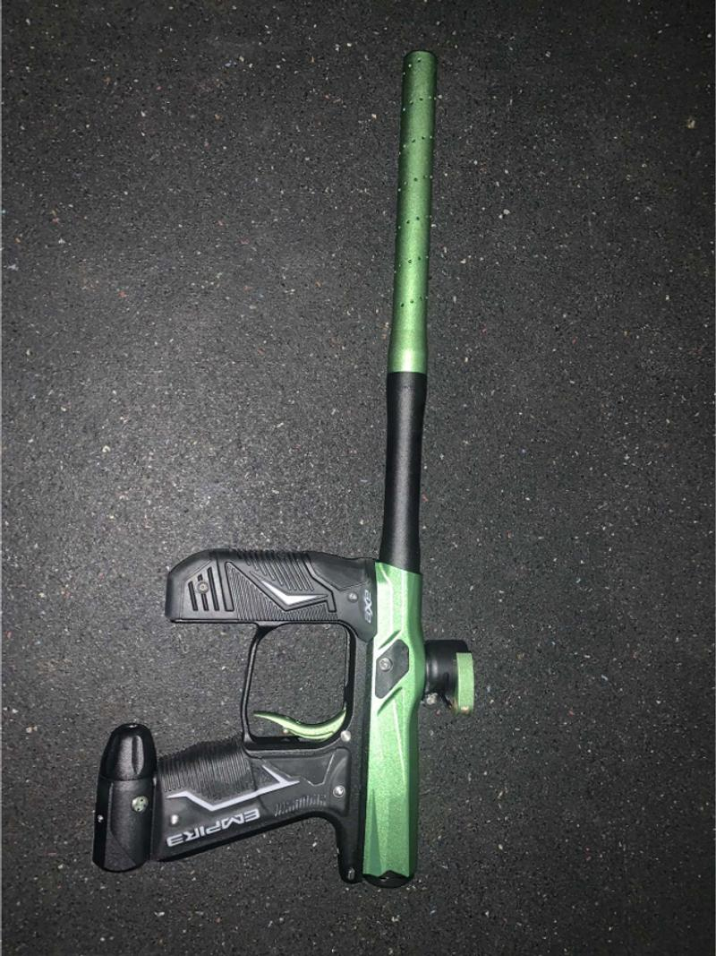 Photo Paintball gear set gun is a empire axe 2.0