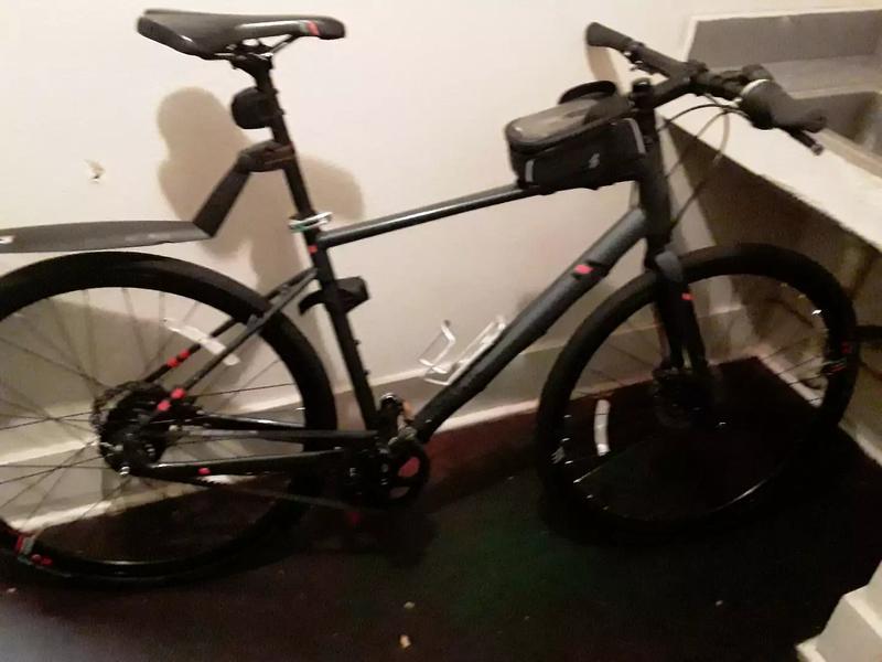 Photo Marin road bike 28 in mans bike carbon fiber belt drive with Nexus hub power assist roughly a $2,800 bike Im asking 950 or best offer