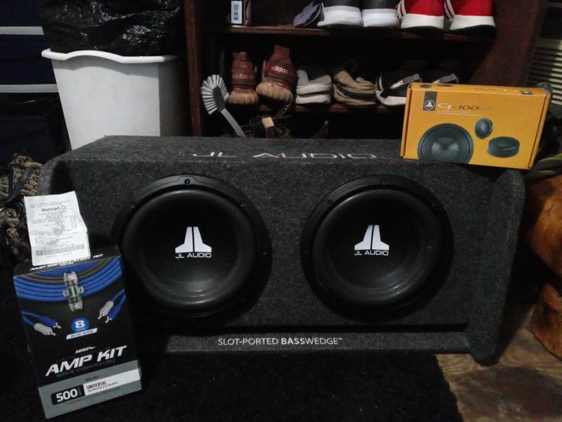 Photo 10 JL Audio Subs with very nice, custom JL Audio slotported basswedge box, 2 JL Audio tweeters with crossovers, 900 Watt Pioneer Amp 500 watt 8 gauge amp kit brand new with receipt