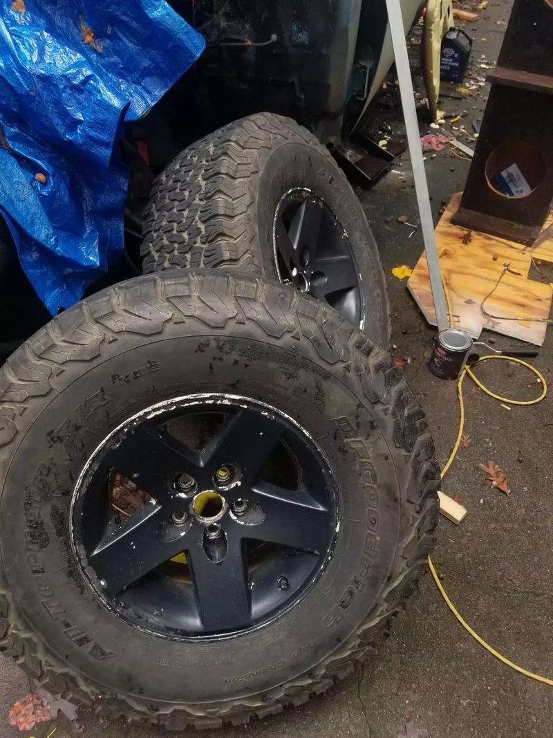 Photo Jeep Cherokee rims with 35 tires