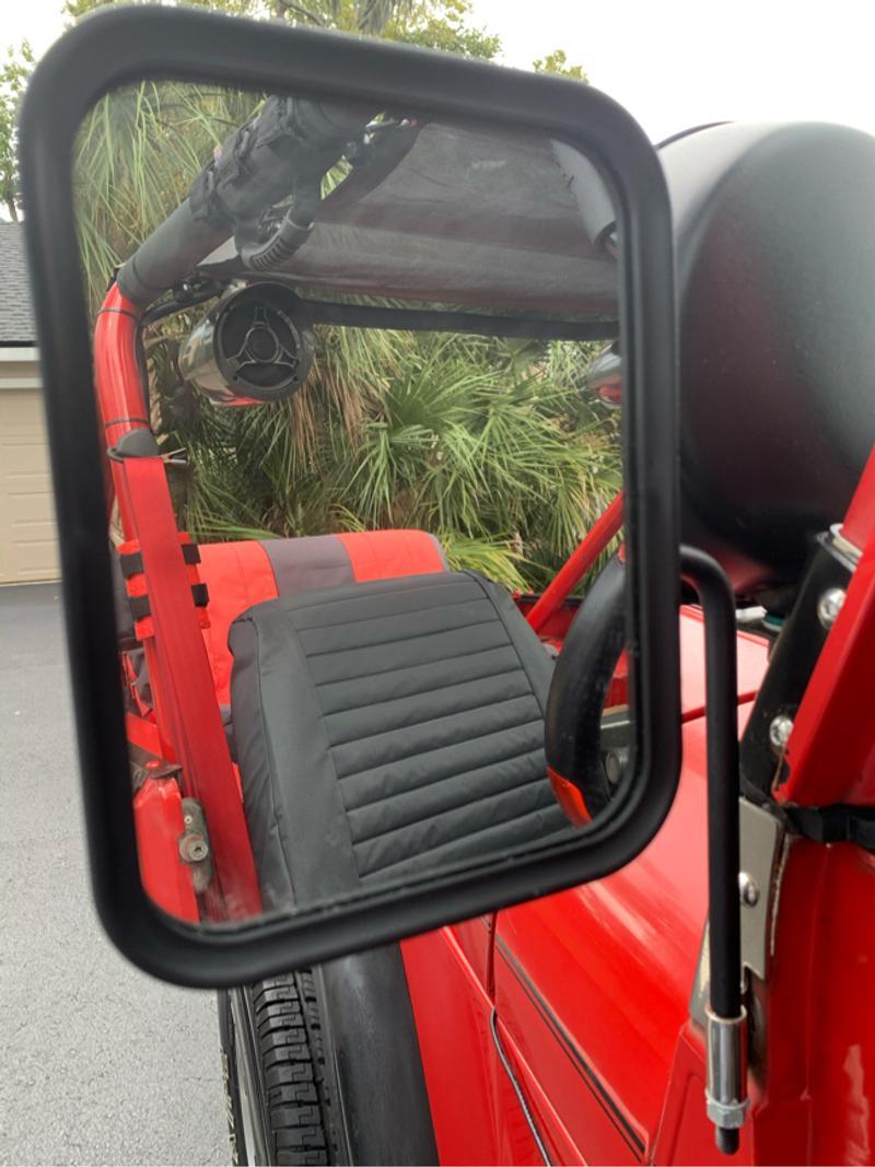 Photo Jeep Wrangler side mirrors