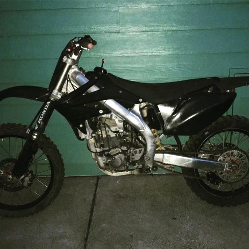 Photo Crf450r down to trade let me see what you got
