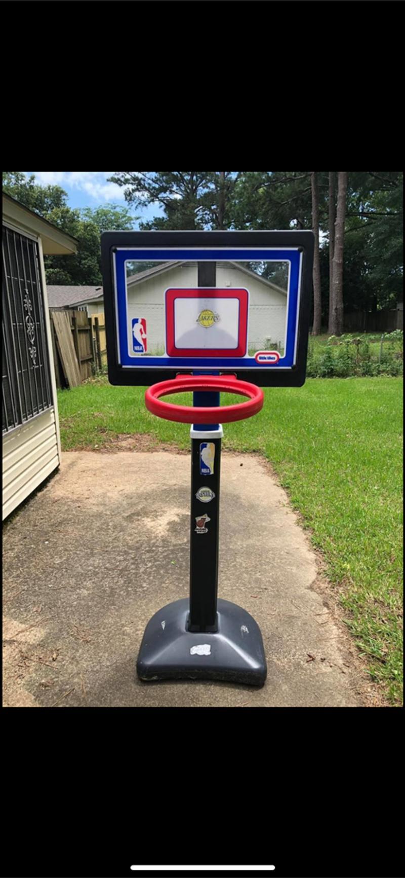 Photo Little Tykes NBA Basketball Goal