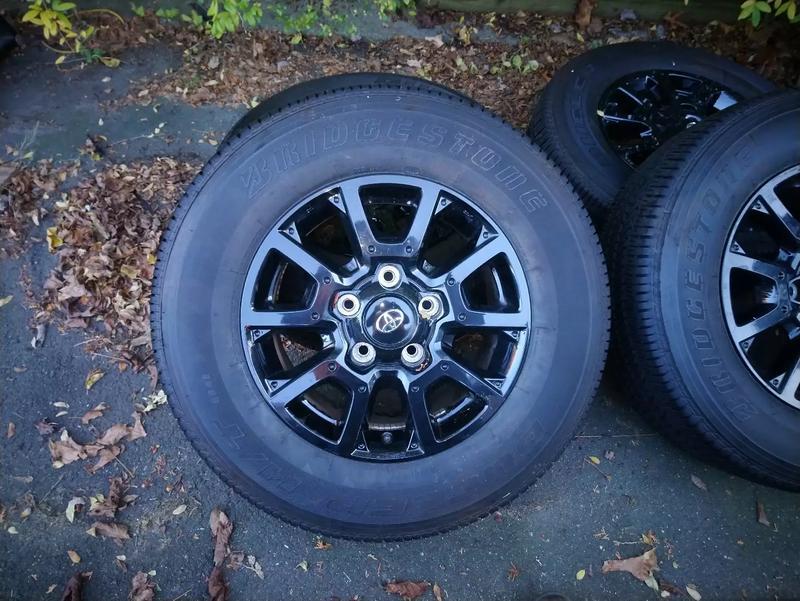 Photo Toyota tundra 18 wheels