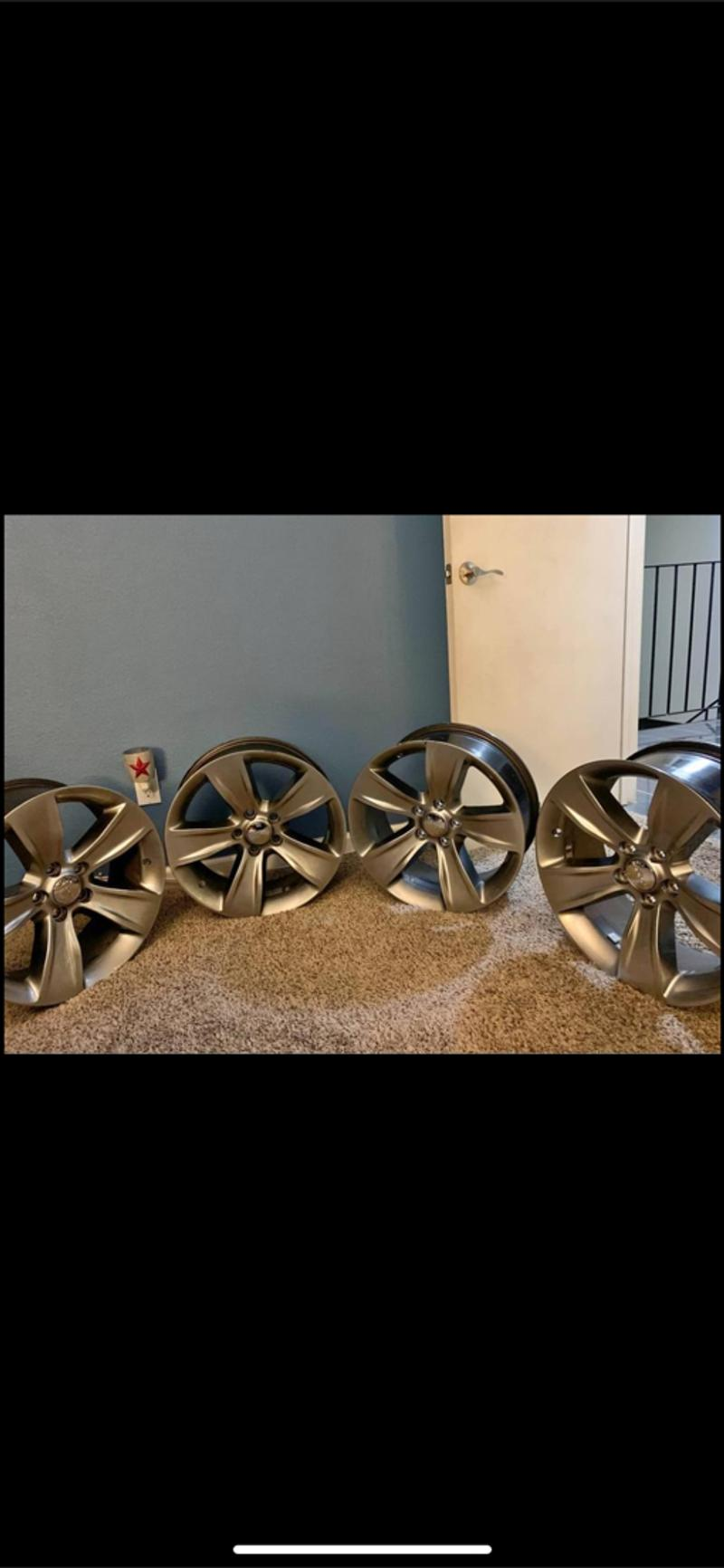 Photo 18 2016 Dodge Charger wheels