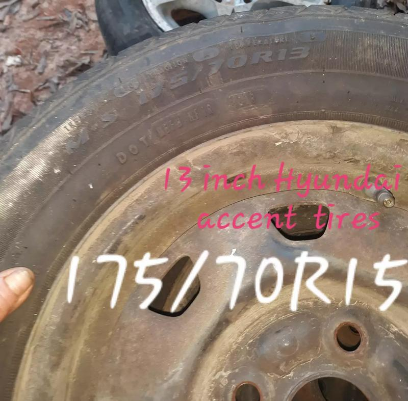 Photo 13 inch Hyundai Accent tires and rims