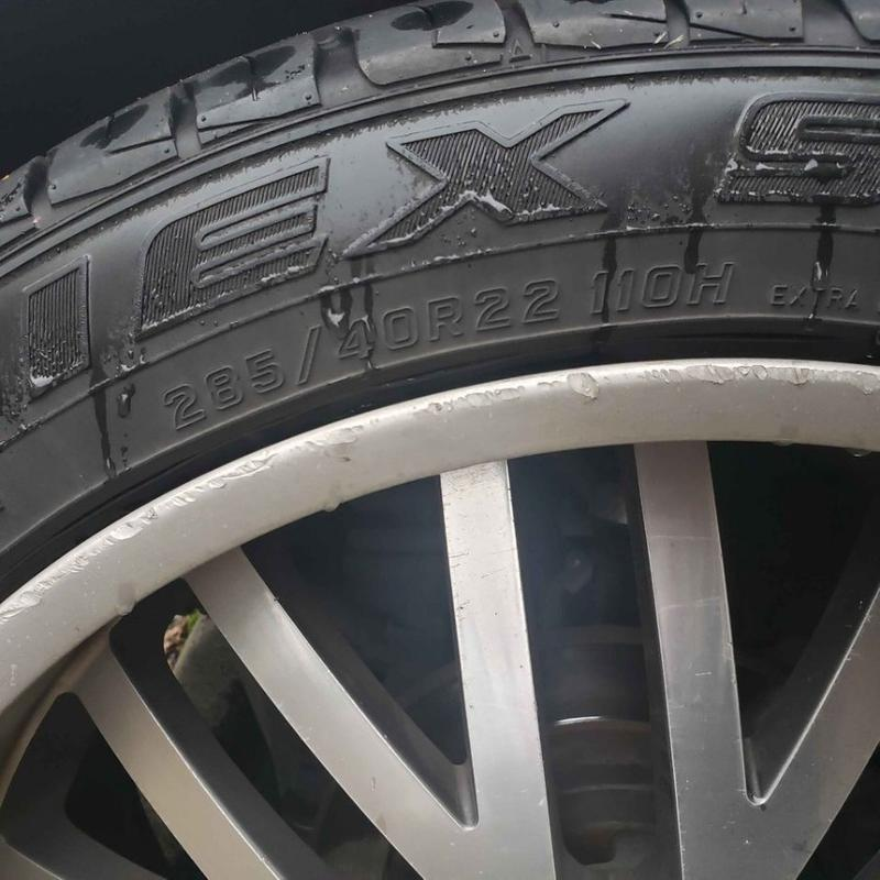 Photo Mercedes WHEELS and TIRES 28540R22 110H