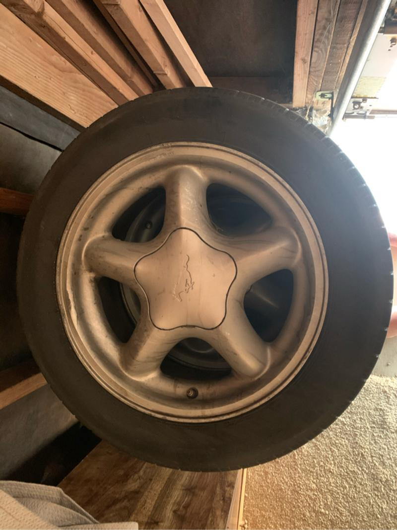 Photo 2000 Mustang Original Stock Wheels Tires