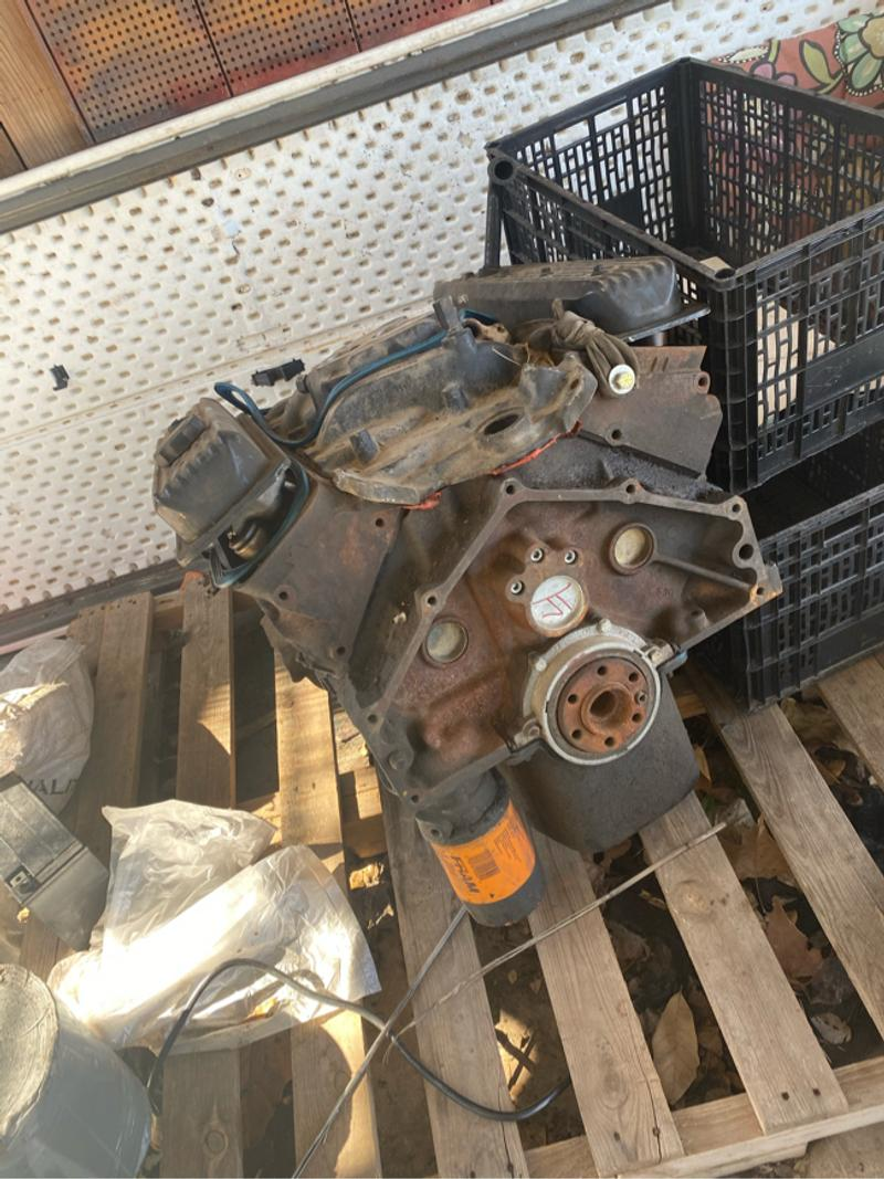 Photo 350 Chevy motor