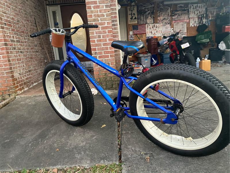 Photo Mongoose fat tire bike