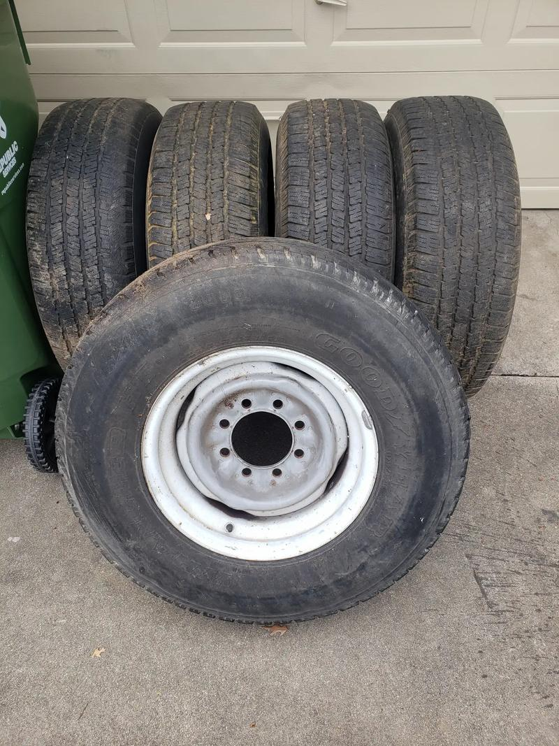 Photo 16 Ford Truck Rims Tires 5 total