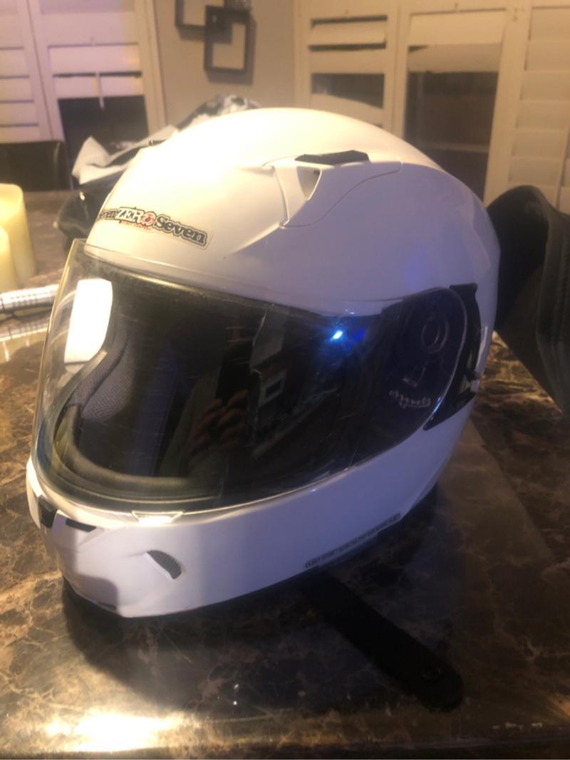 Photo Size med Seven Zero Seven full face helmet