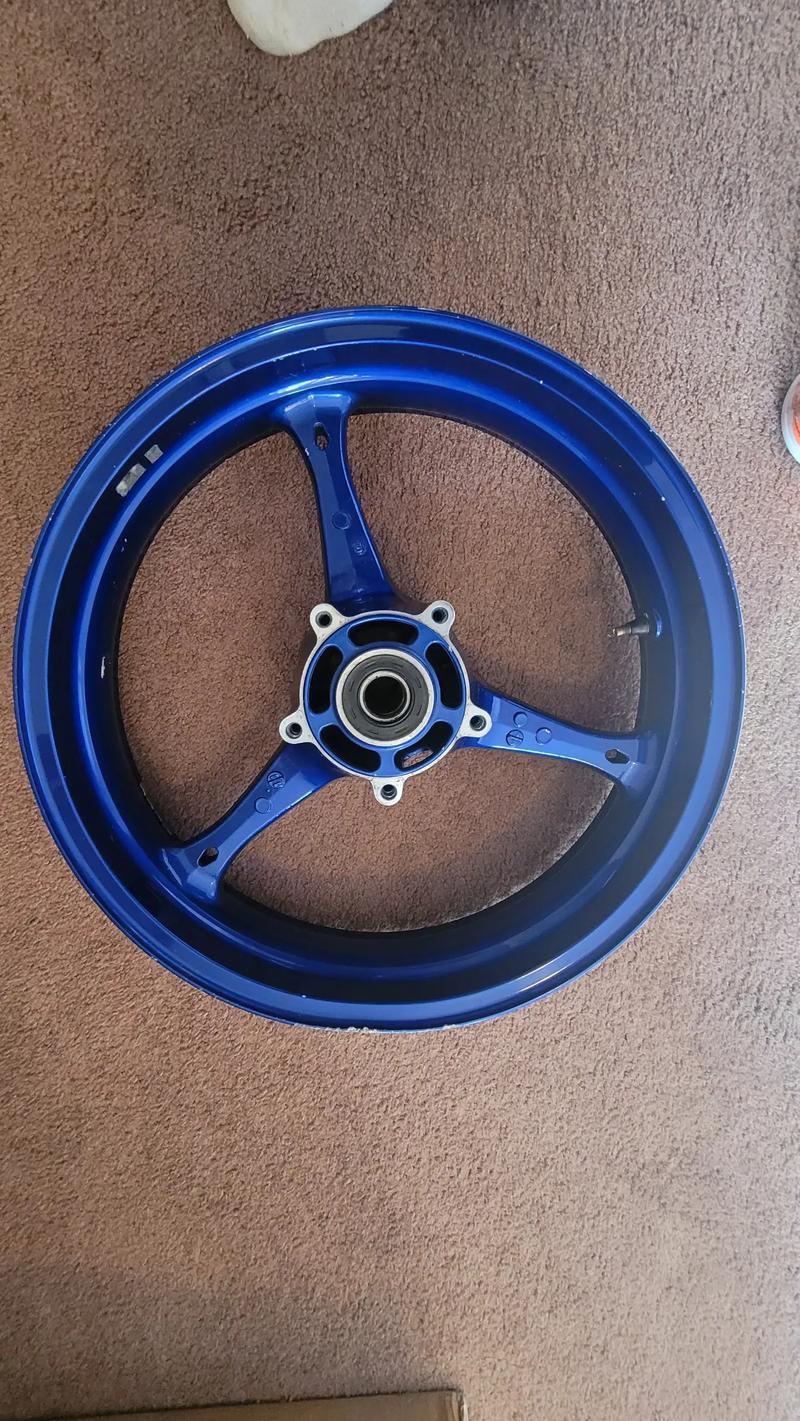 Photo GLOSS BLUE Front Wheel Suzuki GSXR 600 750 20062007 GSXR 1000 20052008