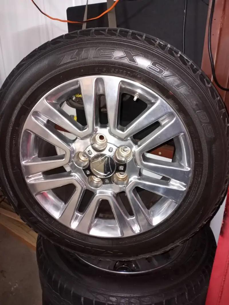 Photo 2013 Toyota Tundra OEM Wheels and tires