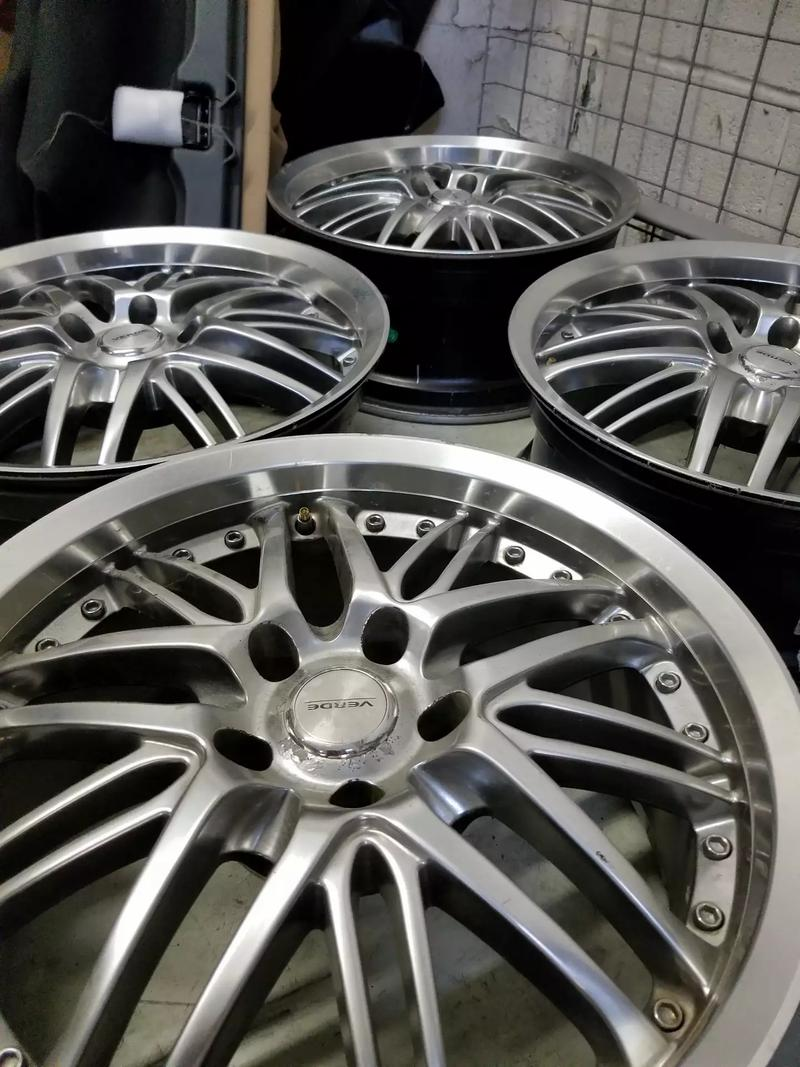 Photo Best offer. Factory 20 inch Toyota Tundra wheels and 18 inch aftermarket chrome Venom Wheels