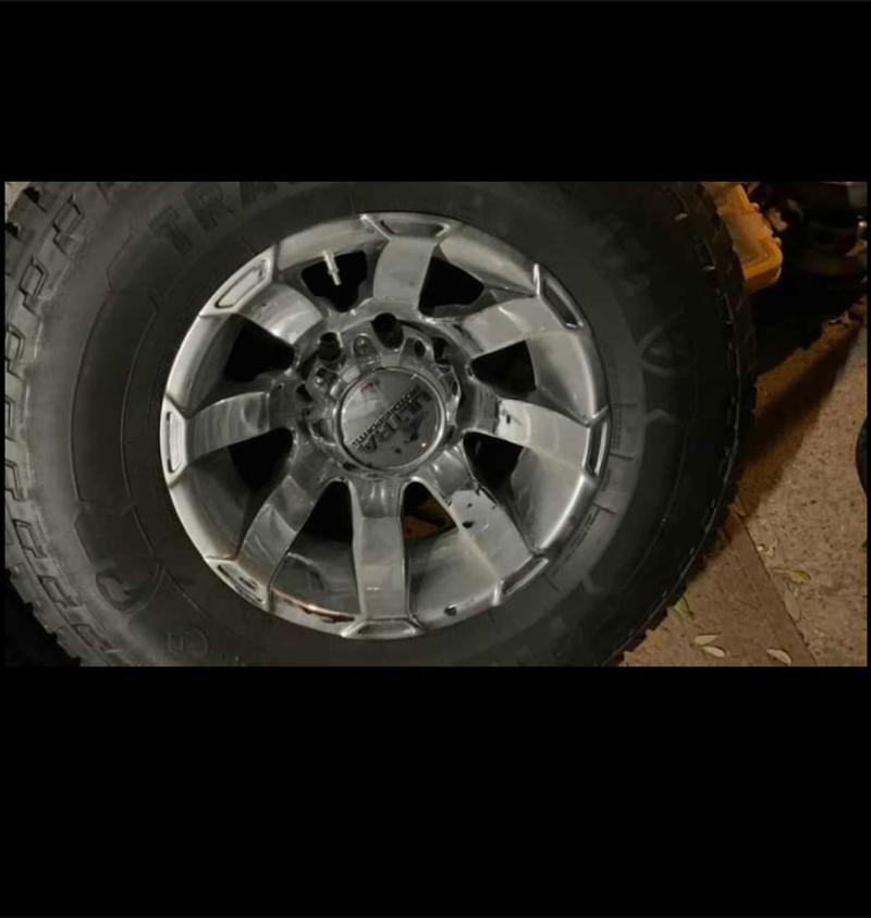 Photo 17 ultra Motorsport with Firestone AT2 tires for Ford F250350 dually