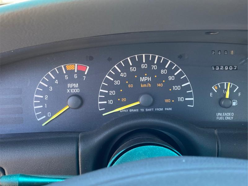 Photo 1998 Pontiac Bonneville SE 4dr Sedan