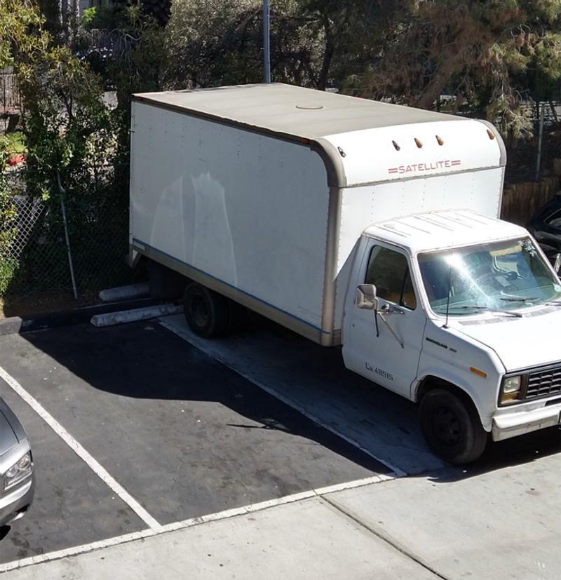 Photo 1989 Ford E350 3dr XL Super Econoline Extended Cargo Van