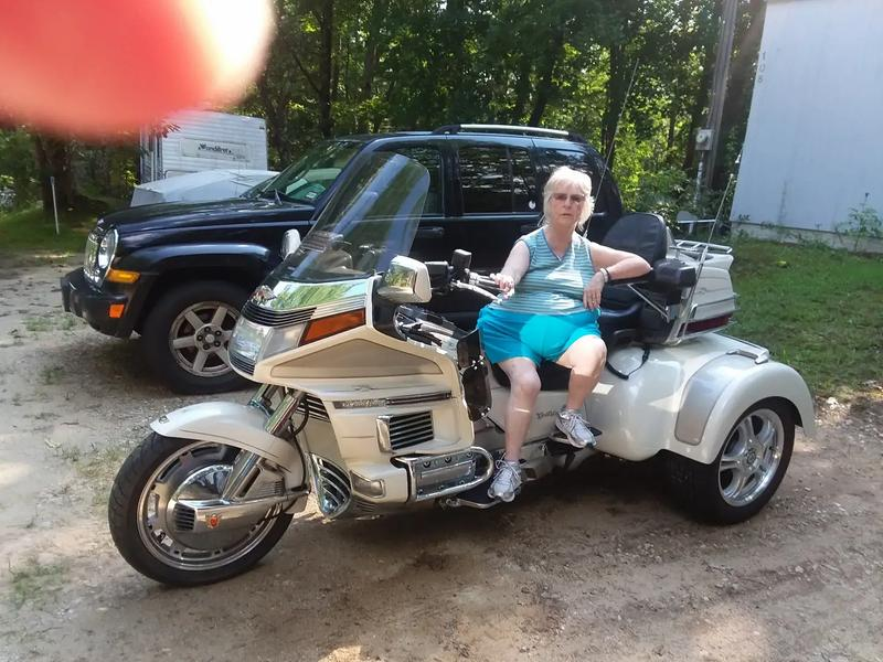 Photo 1990 Honda Goldwing 1500 eng 55000 miles loaded needs nothing for more info please call Jim at 603 344 2035